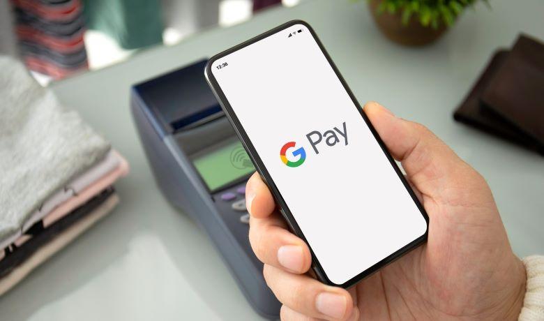 Google Pay: Διαθέσιμη η υπηρεσία που μετατρέπει το κινητό τηλέφωνο σε πορτοφόλι