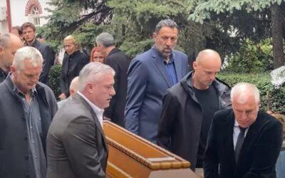 Kηδεία Ντούσαν Ίβκοβιτς: Τα μπασκετικά παιδιά του, Πάσπαλι, Ντίβατς, Ράτζα και Ομπράντοβιτς συνοδεύουν τον «Ντούντα»(video)