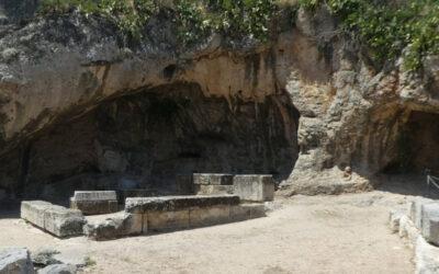 Το μυστηριώδες Πλουτώνιο Σπήλαιο στην Ελευσίνα