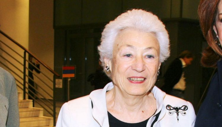 Πέθανε η πρόεδρος του Ιδρύματος Μείζονος Ελληνισμού Ουρανία Εφραίμογλου